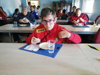Desayuno saludable con los jóvenes del centro AFAS
