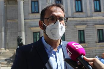 El PSOE dice que la encuesta se la ha inventado Núñez