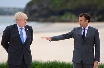 Macron insta a Reino Unido a respetar el acuerdo del Brexit