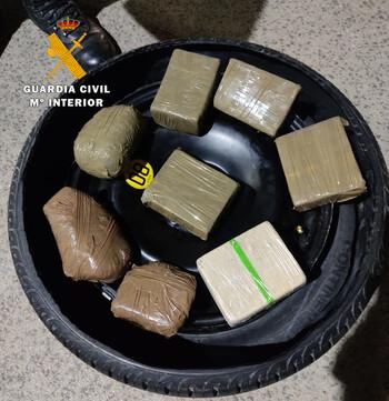 Detienen a cinco personas por tráfico de drogas