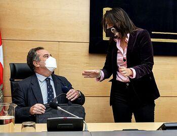El PSOE exige que declaren todos antes de cerrar la comisión