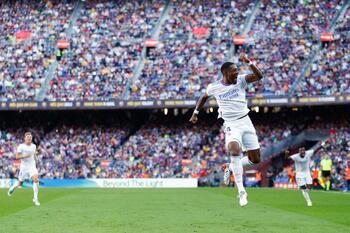 El Real Madrid pinta de blanco el Clásico