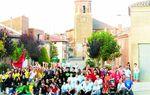 VILLASARRACINO: Foto de familia de los vecinos de Villasarracino con una nutrida representación de sus animadas y festivas peñas. El verano es una buena época para juntarse y disfrutar del pueblo.