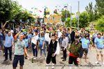 La fotografía lleva por título 'Desde Husillos a Asturias' y es una auténtica demostración del amor a las tradiciones, del hermanamiento y de lo difícil que es escanciar la sidra. Foto: Ángel Gutiérrez
