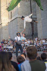 """Espectáculo de Circo acrobático. D´click, """"Isla""""."""