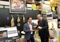 El presidente de la Junta visita el Salón Gourmets