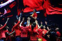 La afición celebra con la selección española de baloncesto el Mundial en la plaza de Colón