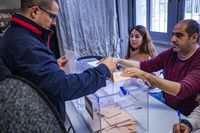 elecciones generales, , repetición de las eleccionres generales, gente votando