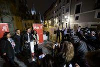 El PSOE comenzó en el mirador de Fernán González, con la Catedral de fondo.