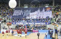 Impresionante ambiente del Coliseum en un partido del San Pablo.