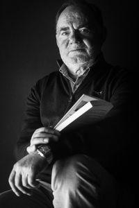 Santos Mazagatos, profesor de ciencias y autor del libro, De Sol a Sol.