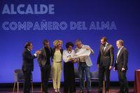 Acto de entrega de la medalla de oro a Tomás Rodríguez Bolaños