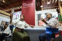 FenavÁn, cata teatrazizada en el stand de la DO Valdepeñas