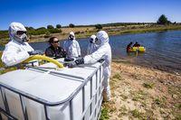 Practicas de la UME en el pantano del Vicario, practicas medioambientales de los soldados de la UME, unidad de emergencia del ejercito en el pantano del vicario