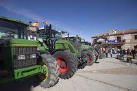 Palaguinos en Palacios de Goda, concentración de tractores.