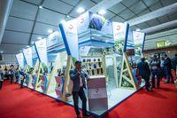 fenavÁn feria del vino, fotos de los stand para publicidad, japoneses y chinos en fenavÁn, comité ejecutivo de Globalcaja en FenavÁn, tunel del vino, gente catando vino