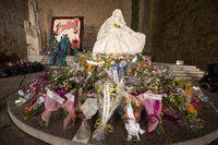 Ofrenda floral a Santa Teresa