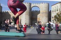 Actividades deportivas, manifiesto y abrazo a la muralla AECC