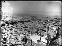 Plaza Mayor de Segovia. Imagen captada por Artigas, antes de 1911, desde la torre de la Catedral.