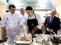 El presidente del PPCyL visita la Escuela Internacional de Cocina de la Cámara de Comercio