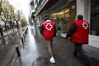 Cruz Roja ayuda a las personas mayores