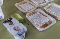 Reparto de alimentos para los alumnos con beca comedor