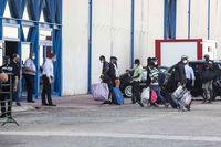 Los temporeros del asentamiento confinado llegan al IFAB