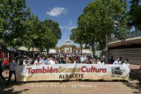 Aficionados y profesionales del mundo taurino pasearon bajo el lema #TambiénSomosCultura