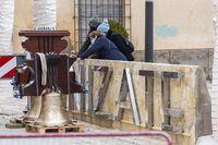 Las campanas de Cenizate vuelven a 'su' torre