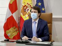 Mañueco traslada su solidaridad a Ceuta y pide