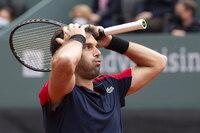 Pablo Andújar tumba a Federer en su regreso a la competición