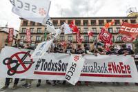 Los trabajadores de CaixaBank se manifiestan contra su ERE