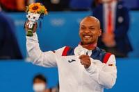 Ray Zapata conquista la plata en gimnasia