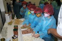 Verano Divertido visita una fábrica de legumbres de Iniesta