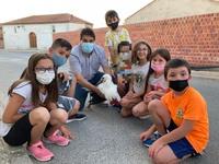 Los niños de Herreros protagonizan el rescate de una cigüeña