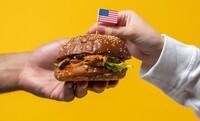 Hamburguesas y patatas gratis para los neoyorquinos vacunados