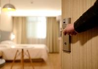 Las pernoctaciones hoteleras se multiplican por siete en junio