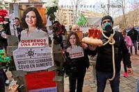 Los hosteleros se concentraron en un almuerzo reivindicativo frente a la puerta del Ayuntamiento para exigir su apoyo