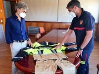 Renuevan el vestuario de trabajo de los bomberos del Sepei