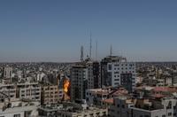 Israel destruye las oficinas de medios internacionales en Gaza