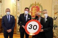 El ministro del Interior y el alcalde de Valladolid presentan la campaña