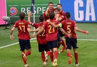 España firma una gran noche de fútbol