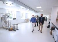 El Rector visita las nuevas salas habilitadas en el Edificio Mergelina de la Escuela de Ingenierías Industriales