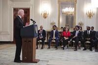 El Senado acuerda el plan de infraestructuras de Biden