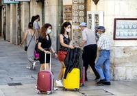 Oposiciones de docentes y congreso médico animan los hoteles