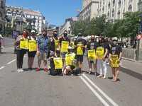 Los peluqueros de Segovia piden en Madrid una bajada del IVA