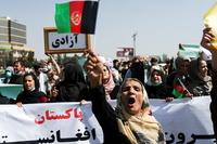 Los talibanes reprimen protestas en a...