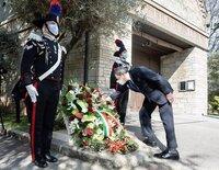 Italia registra menos de un centenar de muertos diarios