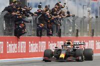 Verstappen y la estrategia tumban a Hamilton