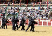Exhibición de la Policía Nacional en la Plaza de Toros